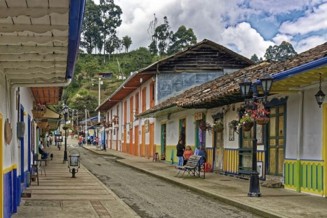 Colombian Girls Guide: Family traditions